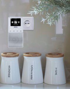Steckdosenradios gliedern sich harmonisch in den Raum ein.