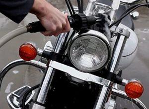Autowaschbürste fürs Motorrad